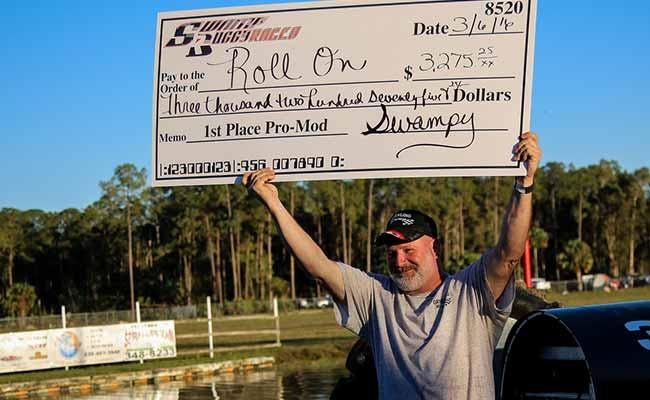 Dan Greenling with Swampbuggy Races winning Check | Greenling Racing Team
